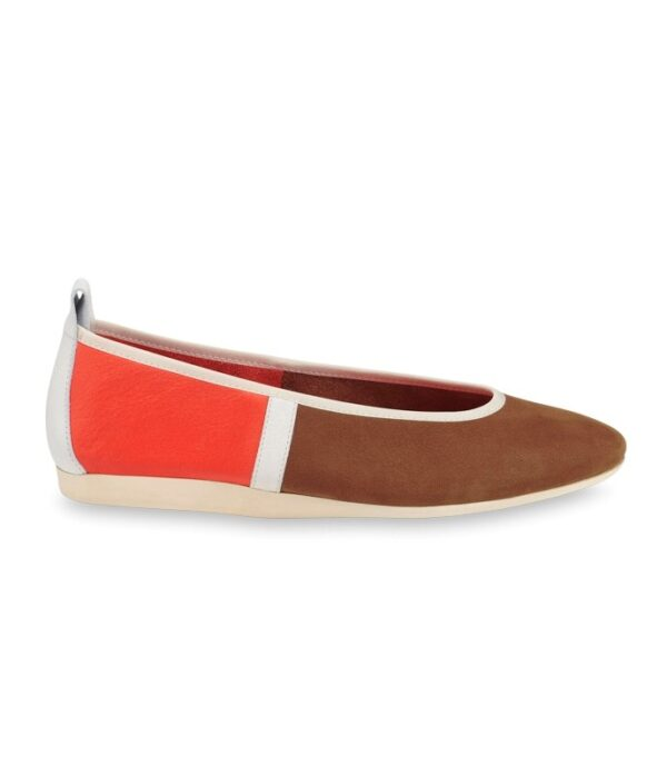 allet flats with elasticated throat line plain and nubuck full-grain calfskin leather colourway: multicoloured brown/white/orange_alezan/white/taroko 1.5 cm flat sole in Lactae Hévéa®, milk insole in plain taroko-orange leather special features: original arche flexibility, unlined. as these shoes come up small, we advise you to choose a size up from your usual one. to discover in